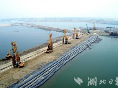 湖北亿元以上项目加速复工开工,除武汉外平均复工率达97.7%