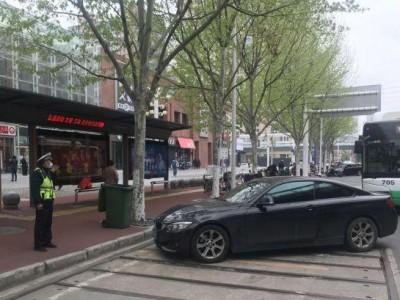 全市道路交通流量恢复至平常三分之一,武汉交警:请您挪下爱车