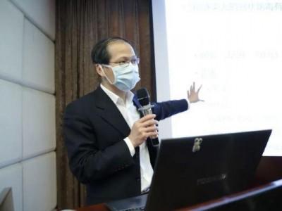 """拿着""""放大镜""""找漏洞!这位传染病专家,跑遍武汉新冠病人收治医院"""