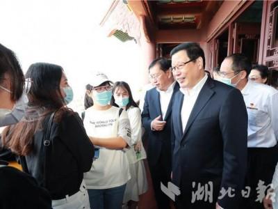 燕黄鹤楼武昌火车站...国庆节中秋节假期的第一天,你应该去武汉检查这些地方