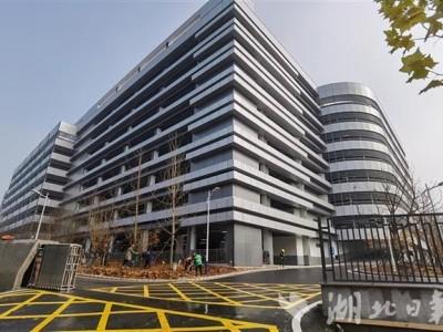 有3000个停车位!国内医院面积最大的单体停车楼已经建成。