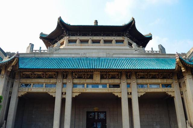 为什么学校都能成旅游景点?看看武汉大学就知道了! 第3张