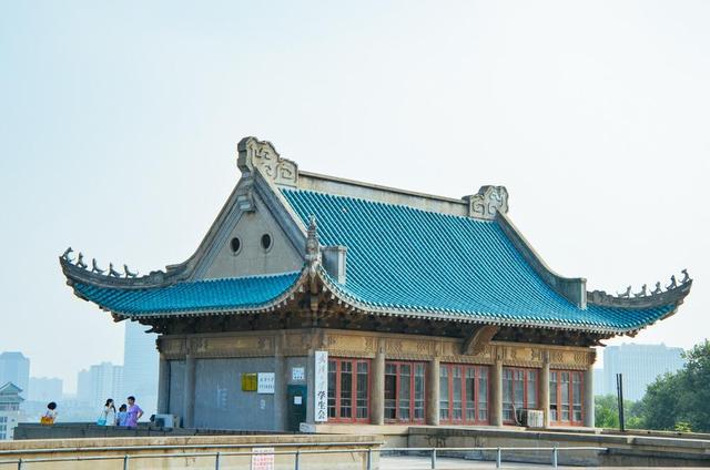 为什么学校都能成旅游景点?看看武汉大学就知道了! 第1张