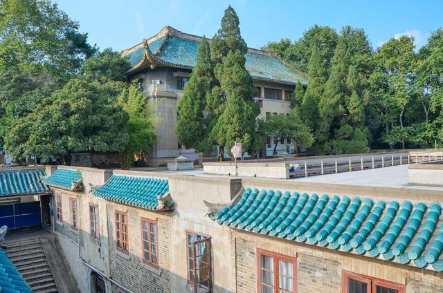 为什么学校都能成旅游景点?看看武汉大学就知道了! 第7张