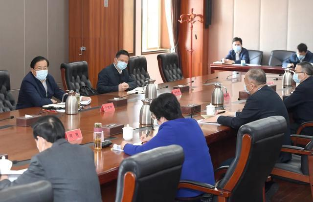 王忠林走访市人大常委会市政府市政协机关 推动武汉经济社会疫后重振 第2张
