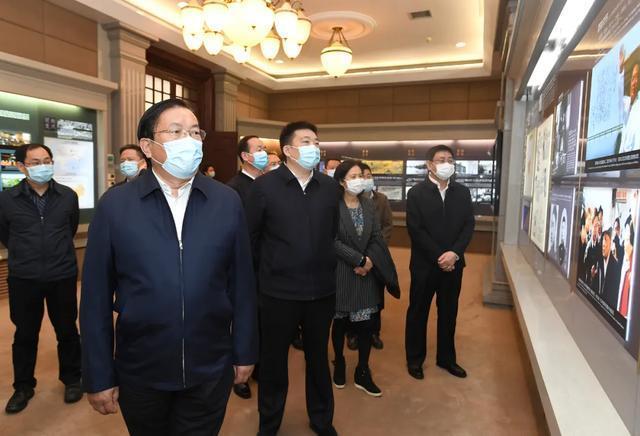 王忠林走访市人大常委会市政府市政协机关 推动武汉经济社会疫后重振 第3张