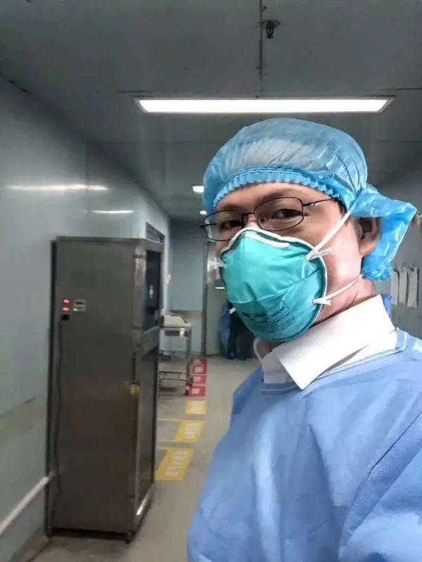 """拿着""""放大镜""""找漏洞!这位传染病专家,跑遍武汉新冠病人收治医院 第2张"""