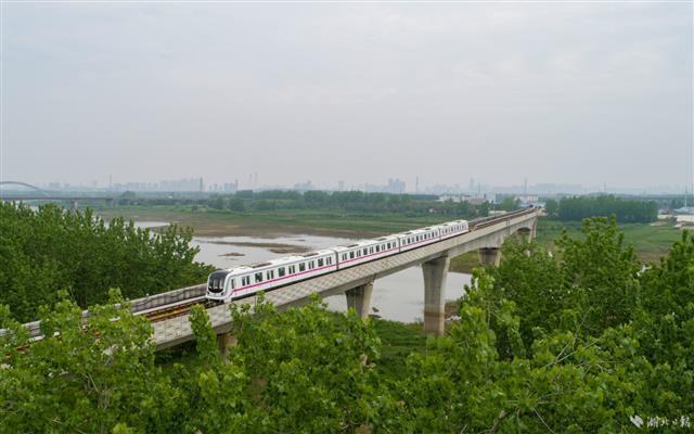 武汉地铁恢复全线网运行 第2张