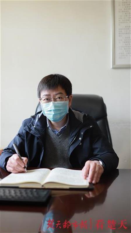 """武铁三大火车站、9万多职工如何科学防疫,这位阻击战中的""""参谋长""""这样做 第2张"""