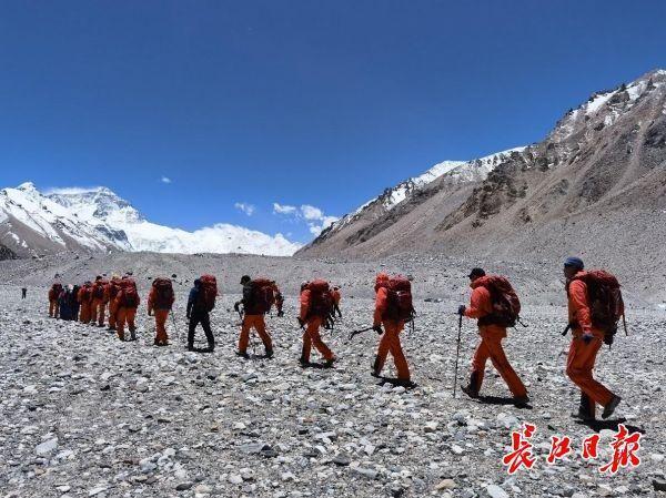 2020珠穆朗玛峰高程测量登山队冲顶名册的大升至4人 第1张