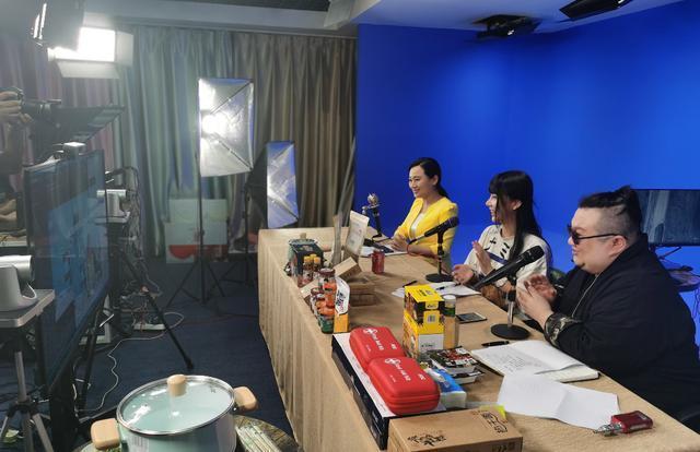 助推武汉市经济复苏,蔡甸公益性专属直播销售提升一千万 第3张