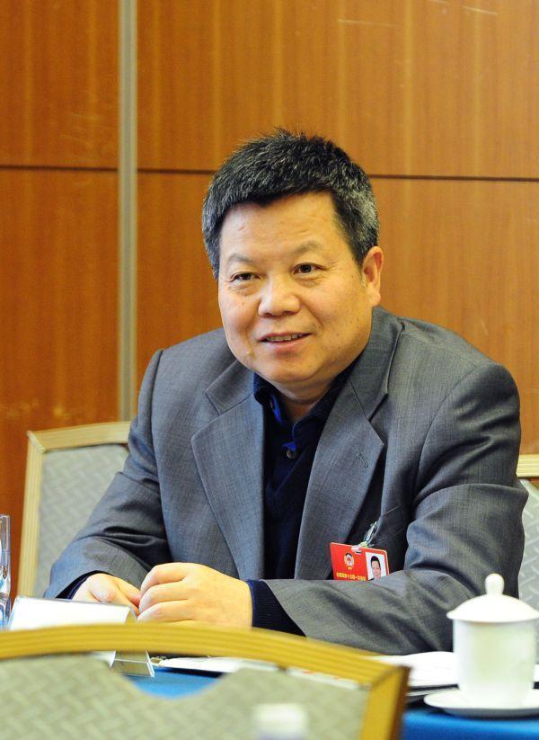 省政协委员会钟章队:四网结合、空铁联运,打造出新式国际性综合性枢纽站 第1张