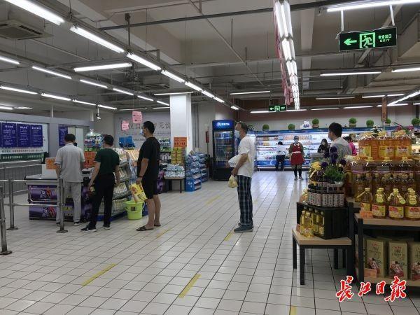 武汉市重中之重商场超市全体人员做dna检测,顾客:逛街购物更安心了|早上好武汉市 第1张