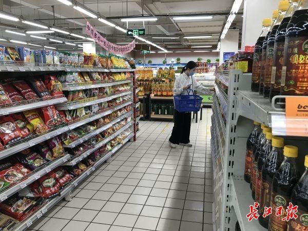 武汉市重中之重商场超市全体人员做dna检测,顾客:逛街购物更安心了|早上好武汉市 第3张