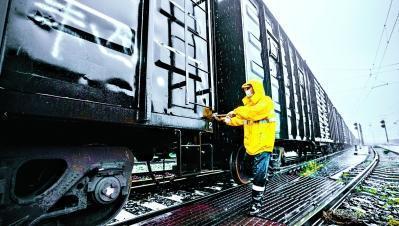 全国性经济回暖,武汉市北编组站日申请办理车靠近历史时间最高值 第1张