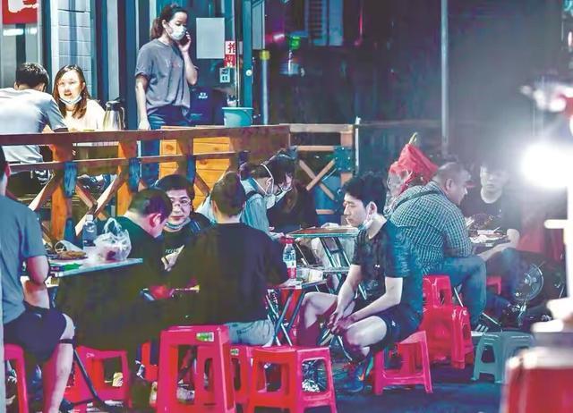 武汉市卡券重构市场信心,武汉市二个月来十五万小商店营业额趁势提高 第4张