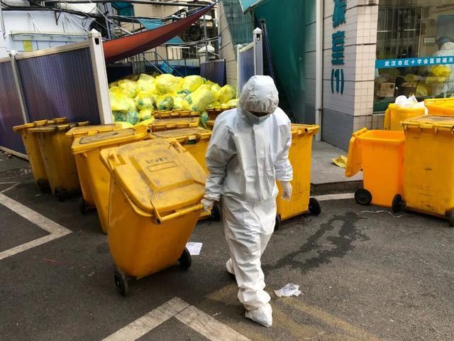 """加薪!住宅、孩子上学也都是有确保!武汉市颁布""""关怀清洁工人十件事实"""" 第3张"""