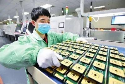 互联网大佬竞相在汉合理布局云产业链,武汉市5G全产业链公司激增到上千家 第2张