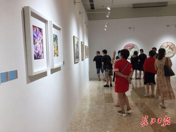 赞美性命之美,《生如夏花艺术展览》揭幕 第2张