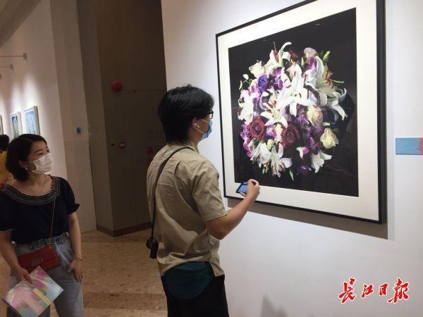 赞美性命之美,《生如夏花艺术展览》揭幕 第3张