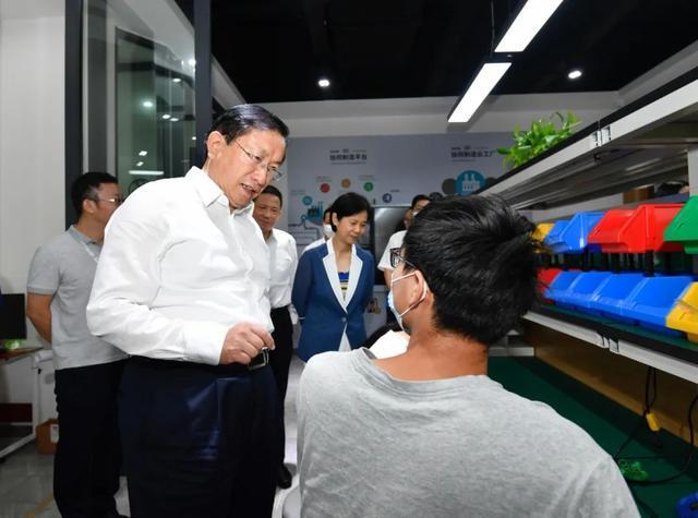 王忠林调查稳就业保民生工作中:构建更强创业创新自然环境和气氛 第4张