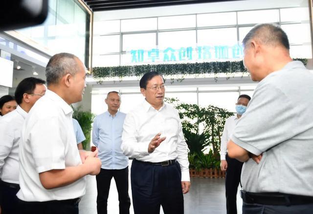 王忠林调查稳就业保民生工作中:构建更强创业创新自然环境和气氛 第6张