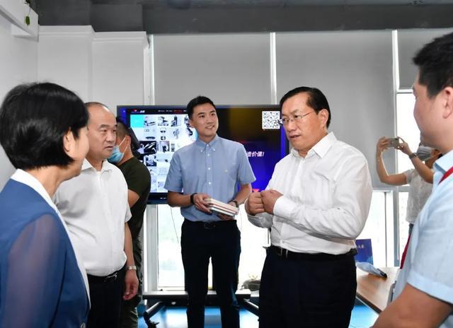 王忠林调查稳就业保民生工作中:构建更强创业创新自然环境和气氛 第8张