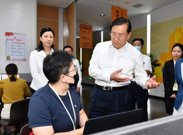 王忠林调查稳就业保民生工作中:构建更强创业创新自然环境和气氛 第5张