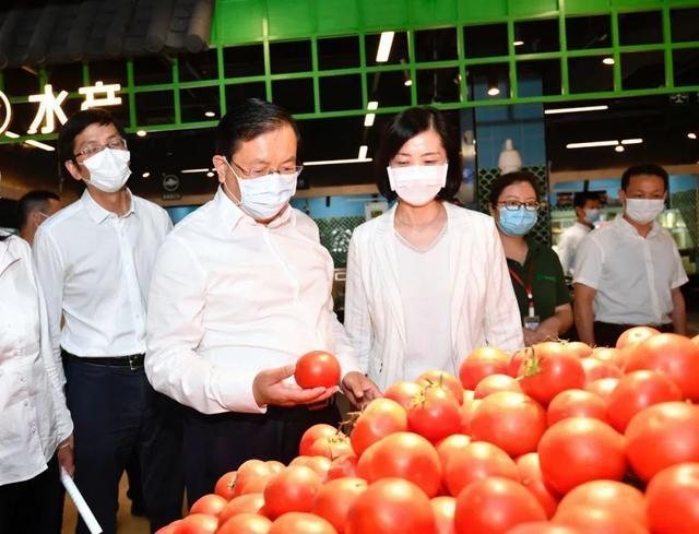 王忠林调查稳就业保民生工作中:构建更强创业创新自然环境和气氛 第11张
