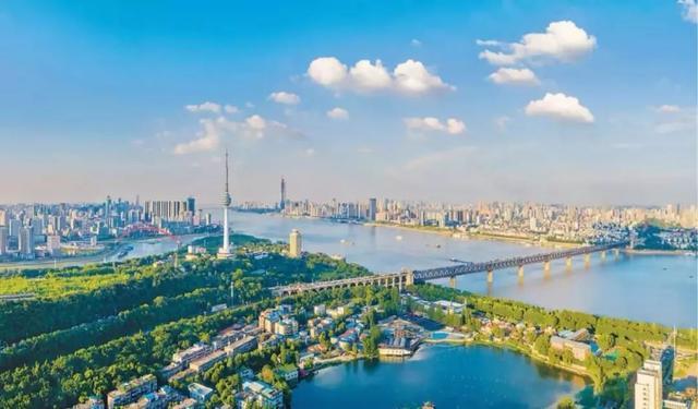 武汉市将开设中小企业人力资源服务季,发布6项对策适用中小企业惹人留才 第2张