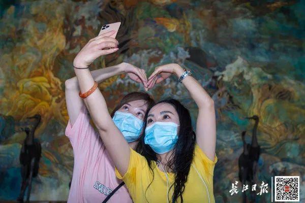 """援鄂医疗组工作人员重返湖北省,打开""""打卡签到大武汉""""之行 第4张"""