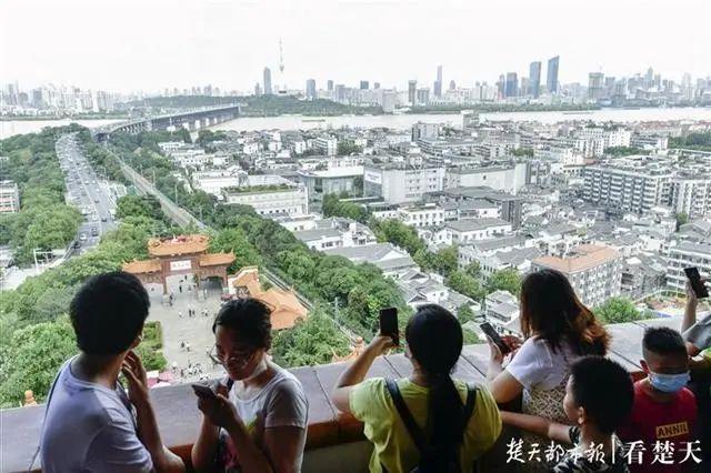 聚焦点|湖北省武汉景区免费参观当日人气值超旺!旅游景区服务项目防治抓牢 第6张