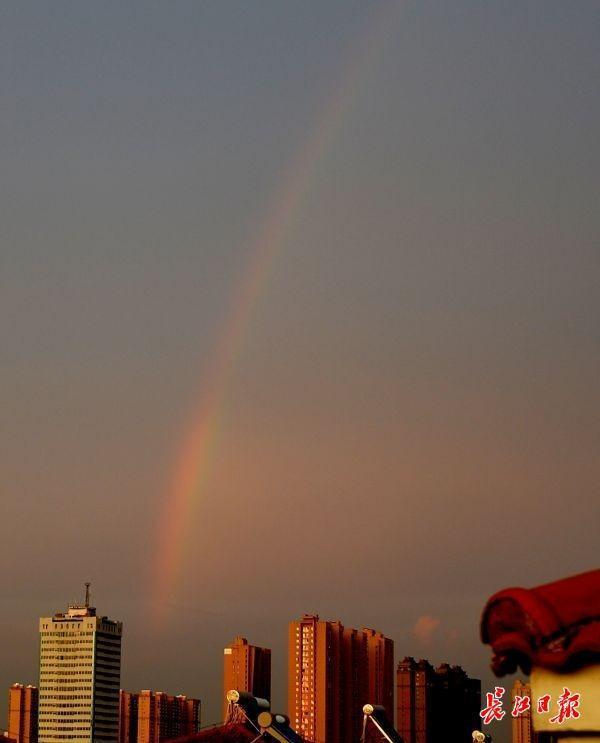 """未来三天,武汉市""""热晴满满的"""" 下午大雨""""群众演员""""未来三天,武汉市""""热晴满满的"""" 下午大雨""""群众演员"""" 第1张"""