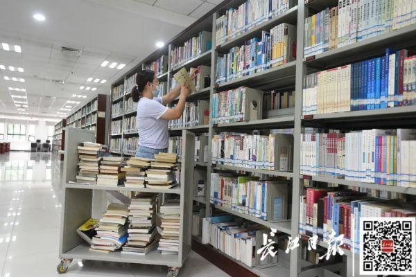 欢迎回家!不久,武汉市迈入第一批回校在校大学生 第12张
