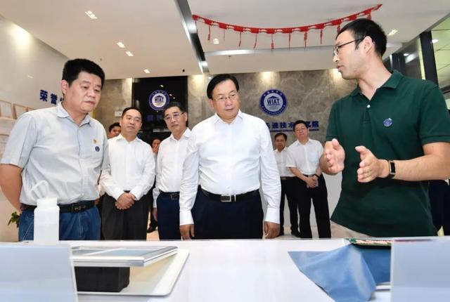 王忠林调查武汉开发区:思想解放、胆大自主创新,做好高质量发展标杆 第4张