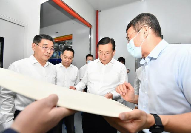王忠林调查武汉开发区:思想解放、胆大自主创新,做好高质量发展标杆 第6张