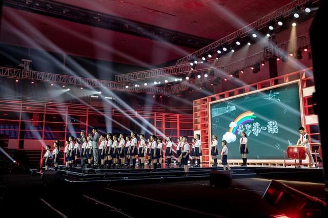 聚焦点|2020年的《开学第一课》被搬来到武汉市!闪光点都会这→ 第2张
