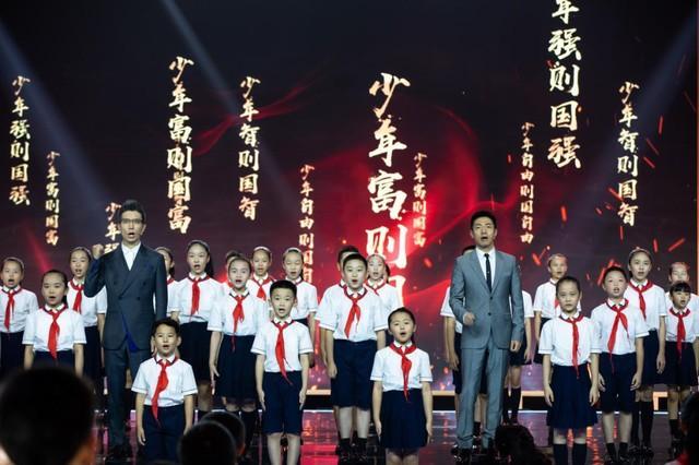 聚焦点|2020年的《开学第一课》被搬来到武汉市!闪光点都会这→ 第7张