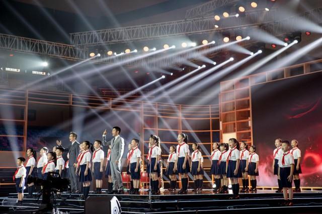 聚焦点|2020年的《开学第一课》被搬来到武汉市!闪光点都会这→ 第8张