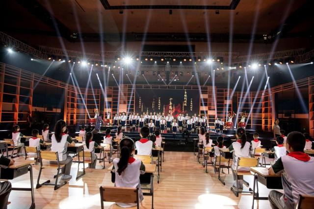 聚焦点|2020年的《开学第一课》被搬来到武汉市!闪光点都会这→ 第13张