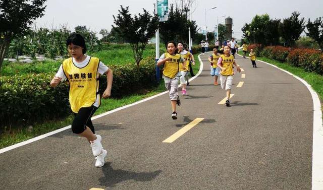 """全球铁娃""""童马""""26日神农架开跑,每跑两百米有举步降速区 第1张"""