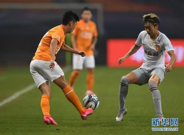 体育 老将赢得点球大战,扎尔成功晋级足总杯第二轮 第2张