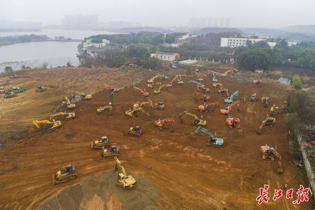 """中国的速度是由新闻推动的:""""两山""""医院在短短10多天内建成 第1张"""