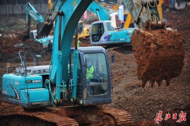 """中国的速度是由新闻推动的:""""两山""""医院在短短10多天内建成 第2张"""