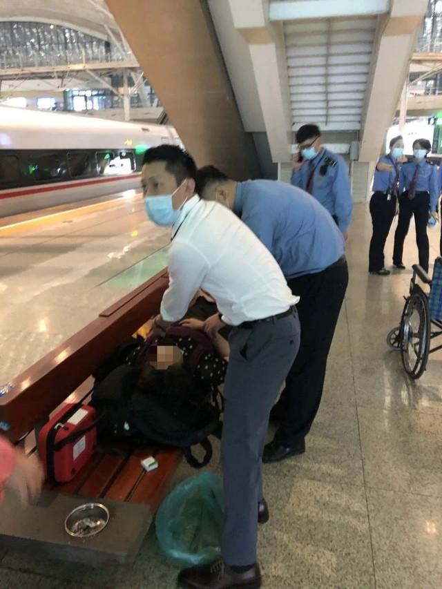 焦点|协助湖北的医生回访武汉,离站前救了一条命! 第6张