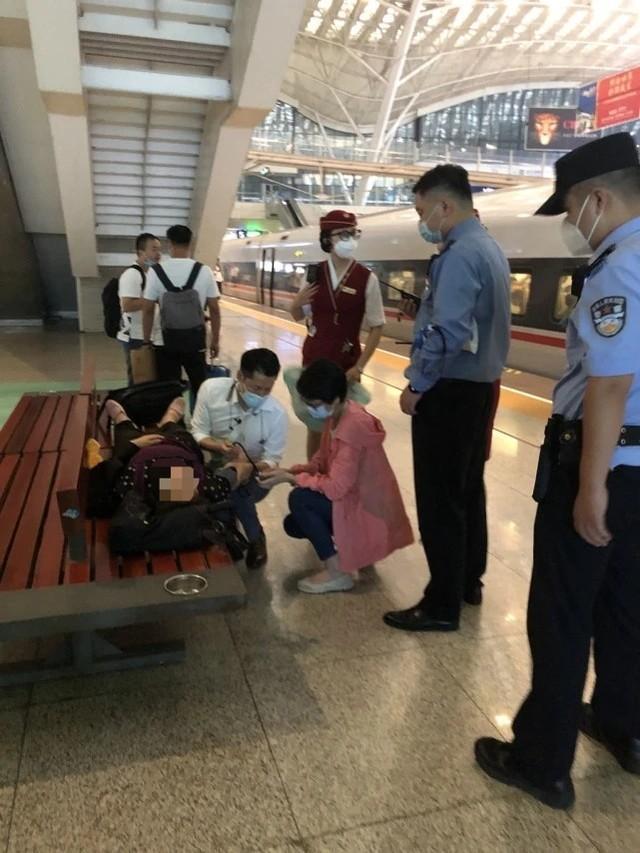 焦点|协助湖北的医生回访武汉,离站前救了一条命! 第7张
