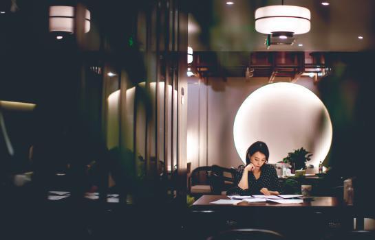焦点|《读者》武汉日记第一天,董卿就和《人民英雄》张约会 第3张