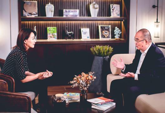 焦点|《读者》武汉日记第一天,董卿就和《人民英雄》张约会 第7张