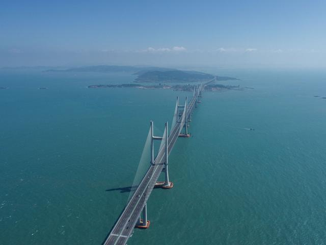 武汉制造!世界上最长的两岸公铁两用桥接受采访并通车 第3张
