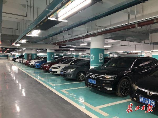 东湖亭桃景区旁边新开了一个停车场,地下二层有617个车位 第1张
